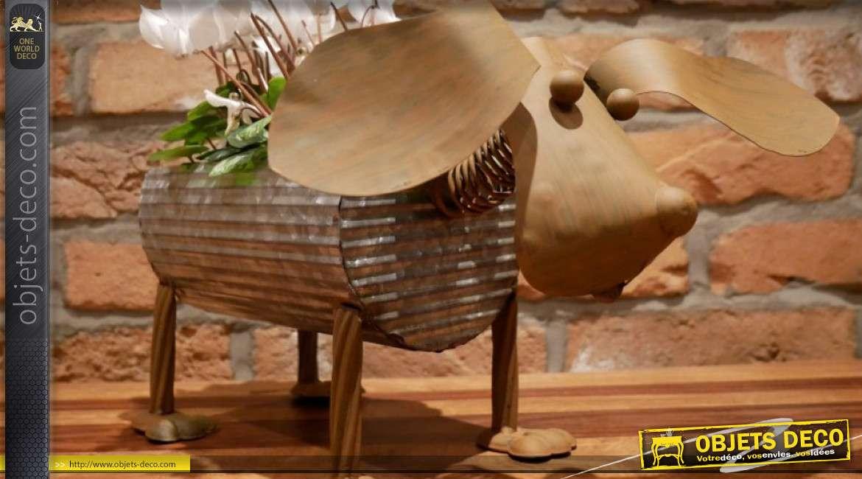 Porte plante en métal, finition bicolore vieil argent et oxydé, forme de chien aux grandes oreilles 40cm