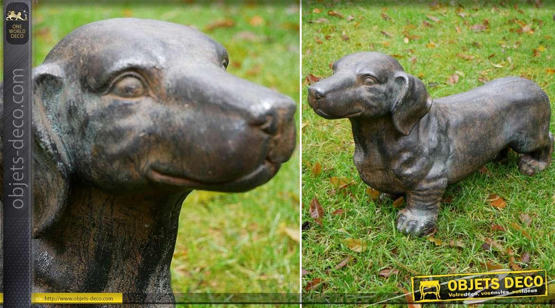 Sculpture animalière chien teckel en MGO haute densité 54 cm