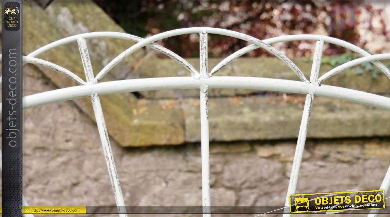 Banc de jardin en métal, modèle dit Coucher de soleil, finition pistache clair, 11kg