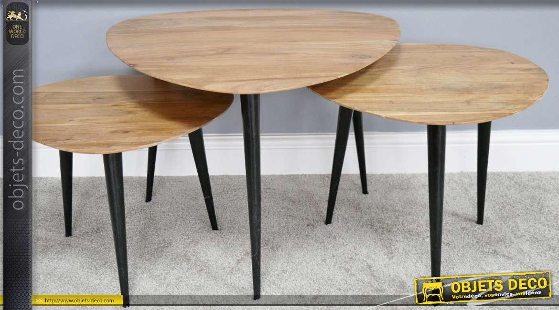 Série de trois tables basses en bois et métal, plateaux oeuvodïdes richement veinés