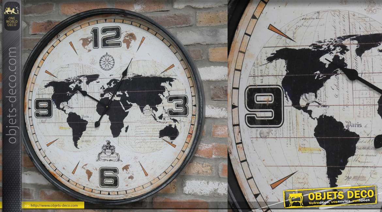 Grande horloge en métal, style ancien voyageur et mappe monde en fond, 80cm