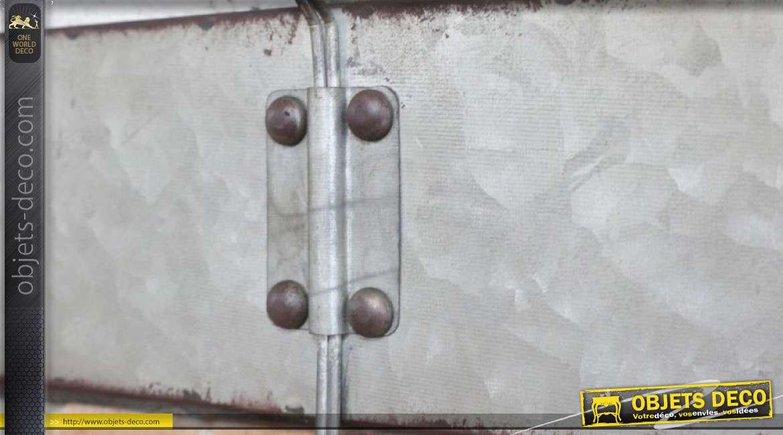 Porte manteau mural en métal, style indus 3 crochets et traces d'oxydation 34cm