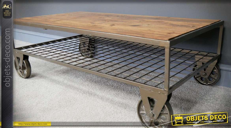 Table basse industrielle métal sur roulettes plateau bois recyclé 100 cm