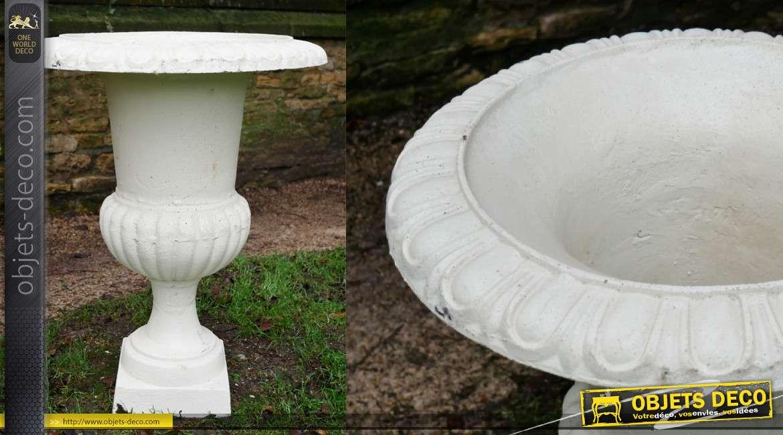 Vase de jardin en fonte type Médicis, modèle blanc ancien, 75cm de haut