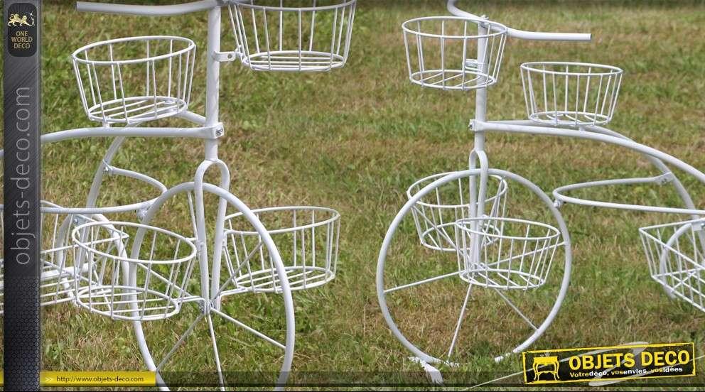 Vélo porte-plantes en fer forgé blanc