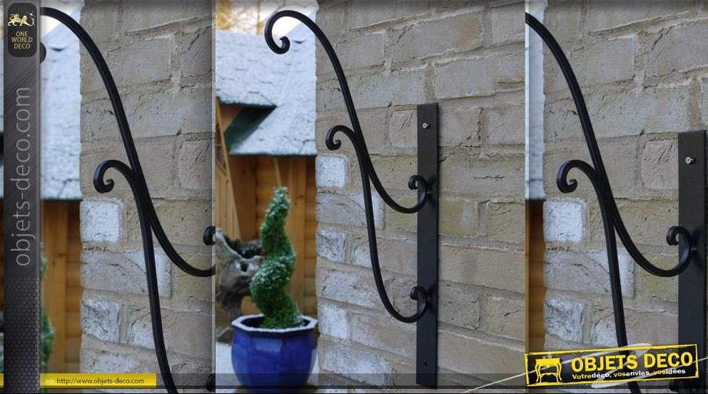 Potence en fer forg pour vase ou lanterne for Porte lanterne fer forge