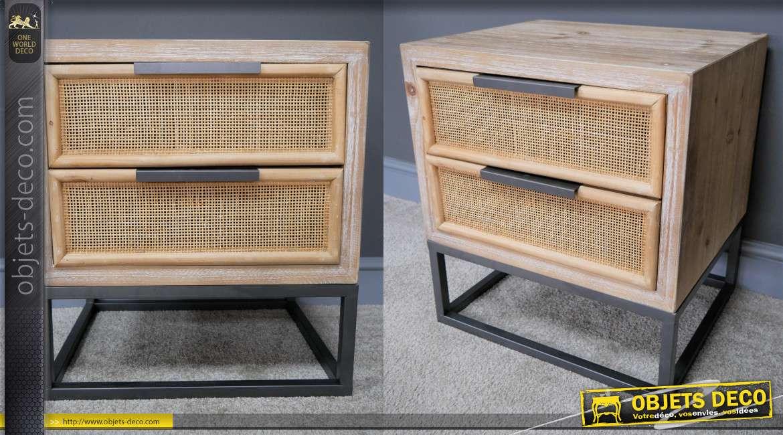 Table de chevet en bois de sapin et rotin, style vintage 1950 base en métal, 48cm