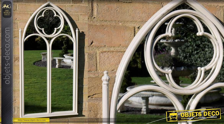 Grand miroir fenêtre en métal fintion blanc cassé, forme en ogive esprit gothique, 103cm