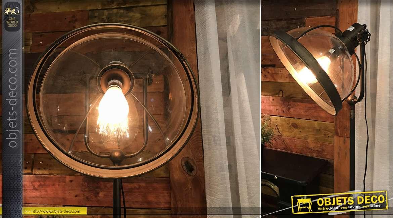 Grand lampadaire en métal et demi globe en verre transparant, finition vieilli vintage, de style industriel moderne, 132cm