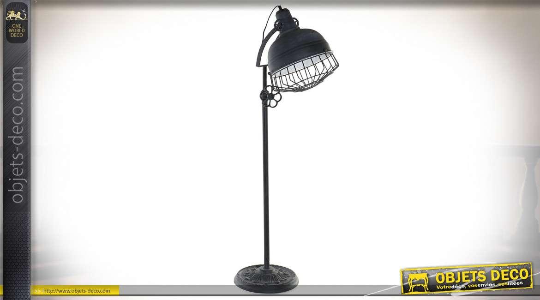 Lampadaire en métal noir finition mate, de style industriel esprit ancien projecteur d'usine, 149cm