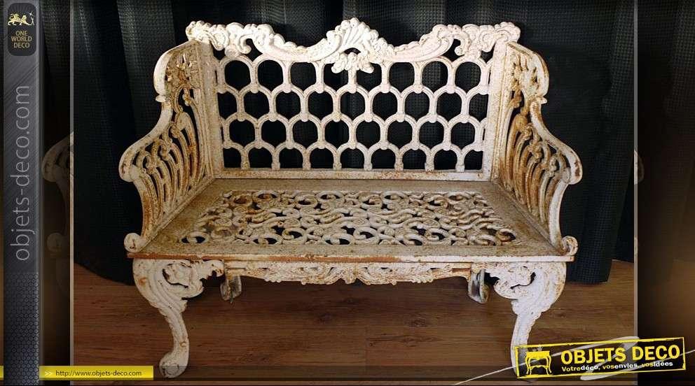 banc de jardin en fonte finition blanc vieilli rouill. Black Bedroom Furniture Sets. Home Design Ideas