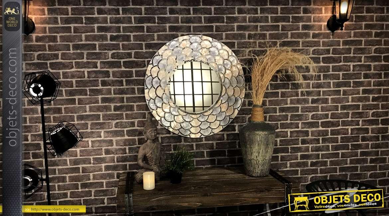 Miroir en bois, de forme ronde avec encadrement effet coquillage nacré 80cm
