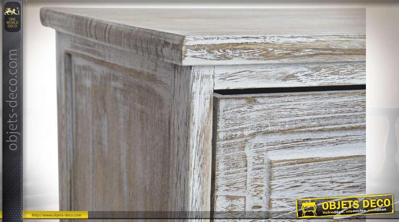 Meuble colonne en bois finition blanchi avec 3 tiroirs dont deux avec facades en osier, ambiance maison de campagne, 90cm