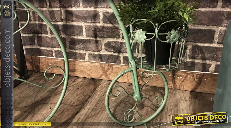 Support pour plantes en forme de vélo tricycle, finition vert antique 70cm