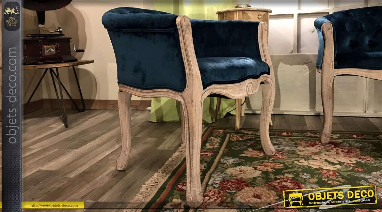 Fauteuil esprit Louis XV en bois clair blanchi et velours finition ClassicBlue
