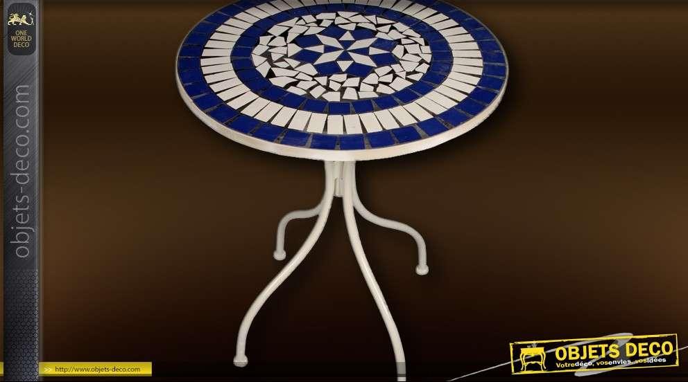 Table de jardin en métal avec plateau mosaïque bleu et blanc