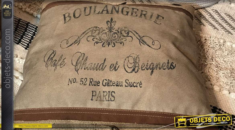 Coussin en tissus épais d'aspect ancien, finition brune effet cuir, Boulangerie parisienne, 45x45