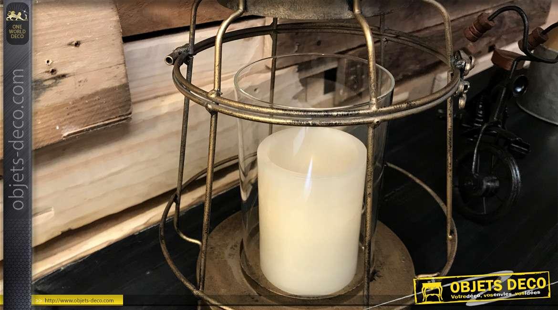 Lanterne en métal et cyclindre de verre, finition vieux doré effet brossé