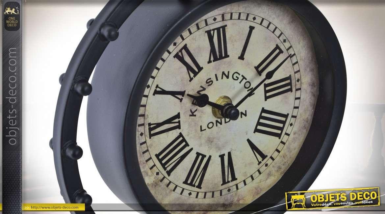 Horloge de table en métal finition noir ancien, sur trépied esprit antique