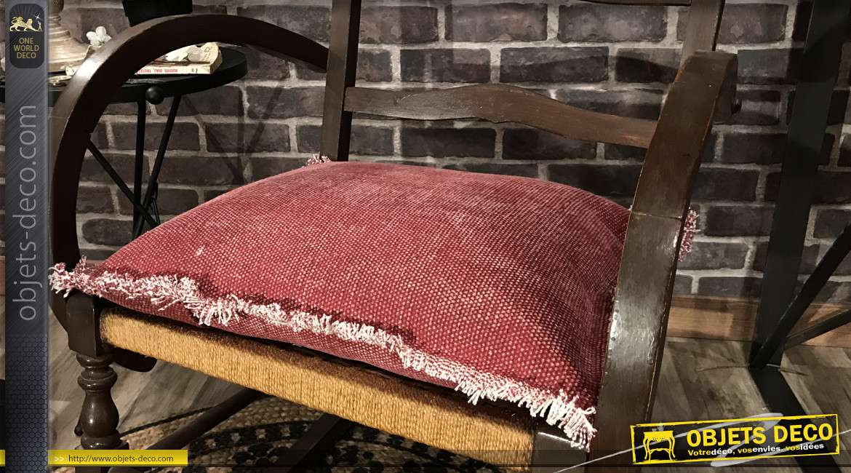 Coussin en coton de couleur framboise avec franges blanches, 45x45cm