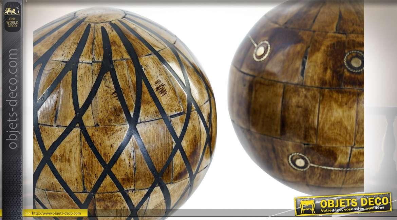 Série de deux boules décoratives en os, finition effet bois de diamètre 10