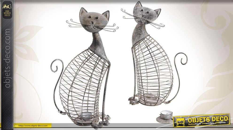 Lot de deux chats bougeoirs en métal patiné gris antique