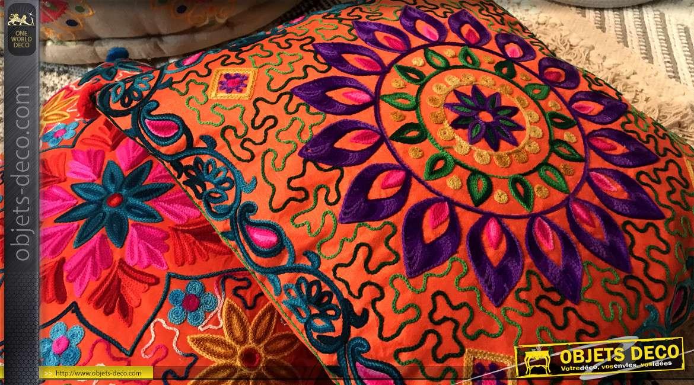 Série de deux coussins en coton épais, motifs brodés de mandala multicolore, 40x40cm