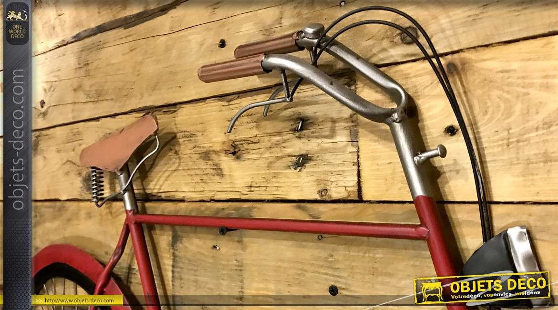 Ancienne bicyclette en métal murale, style vintage finition rouge cerise de 102cm de long