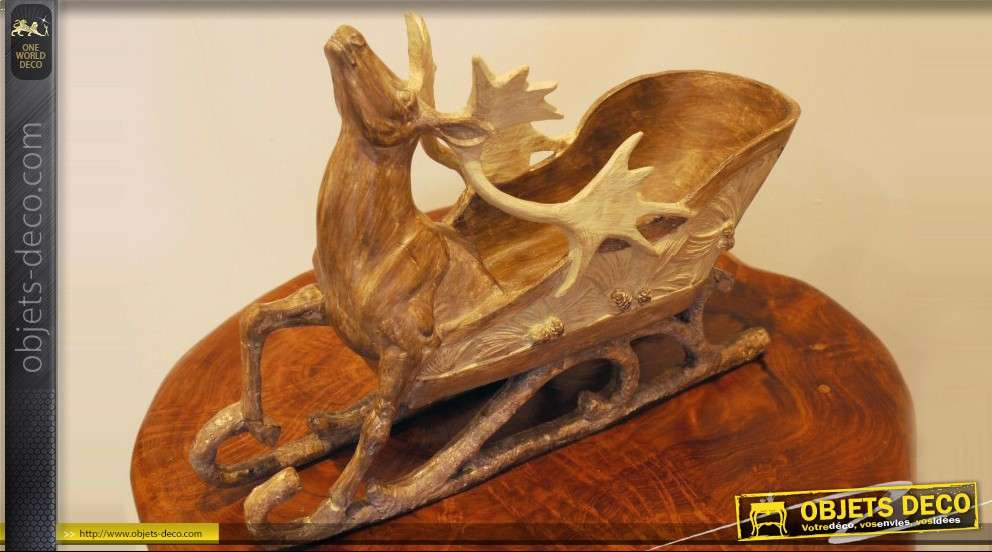 Corbeille décorative en forme de char de Noël
