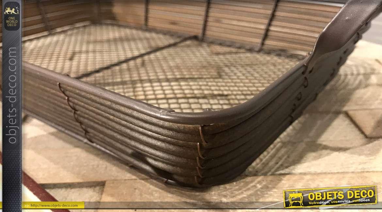 Panier en métal finition noir mat, anses de transport et fond en grillage type cage à poule, 33cm