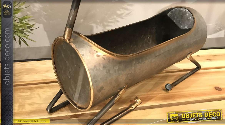 Jaridnière ou panier de présentation en métal type galvanisé, forme de cerf, notes dorées et cuivrées, 33cm