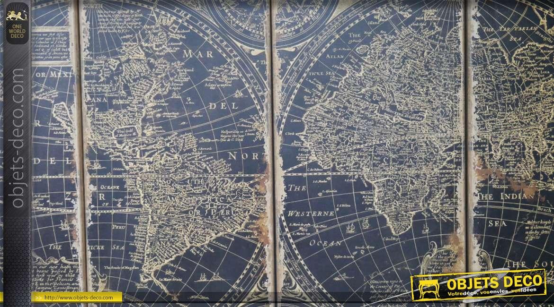 Fresque géante d'un planisphère vintage en quadriptyque, 180cm de haut pour 250cm de long, finition effet ancien