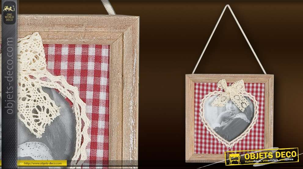 cadre photo suspendu d co coeur et tissu vichy. Black Bedroom Furniture Sets. Home Design Ideas
