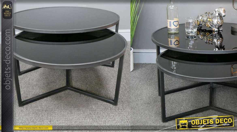 Série de deux tables en métal et plateaux en verre teintés noir brillant, style chic et élégant, de formes rondes, 80cm