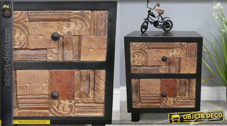 Table de chevet en bois de manguier, façades sculptées et structure finition noir usé, esprit indien, 116cm
