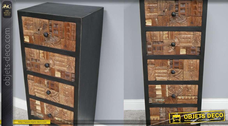 Semainier en bois de manguier massif, façades sculptées esprit patchwork aux influences indiennes, 116cm