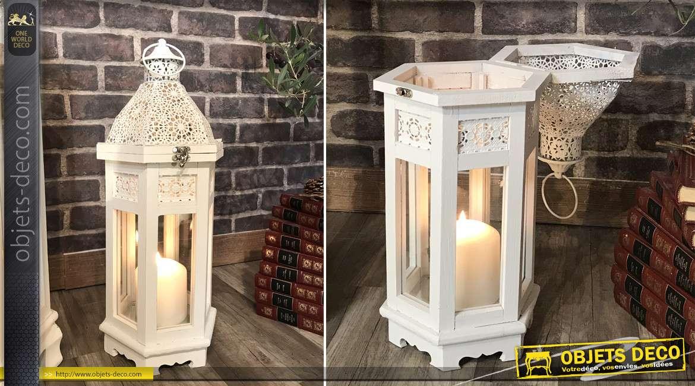 Série de 3 grandes lanternes hexagonales en bois et métal blanchi, esprit dentelle fine, 110cm