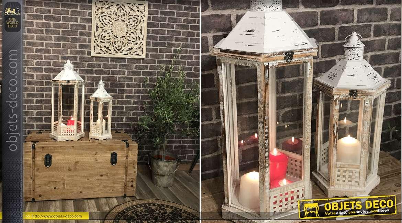 Série de deux lanternes en bois clair et métal finition blanchi effet brossé, forme hexagonale, 74cm