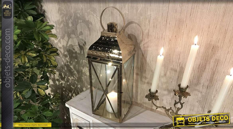Lanterne carrée en métal de style moderne, finition doré brillant, carreaux effet croisés et grande anse, 50cm