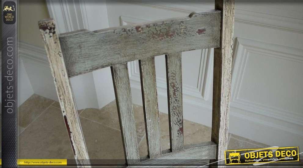 Chaise escabeau en bois massif style brocante for Chaise bercante en bois massif