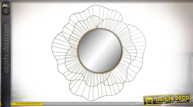 Miroir mural design finition dorée en forme de fleur, 82.5cm