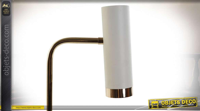 Lampe de bureau style moderne chic en marbre et métal finition blanche et dorée, 50cm