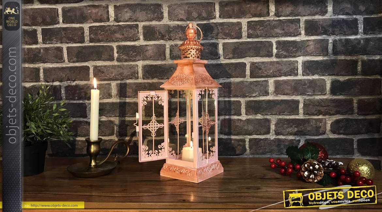 Lanterne en métal de forme carrée, finition rose poudré et patine cuivré ancien, douceur et romantisme