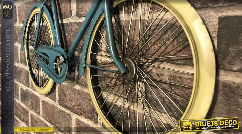 Vélo mural en métal de style rétro, finition bleu pétrole avec pédalier en étoile, 59cm