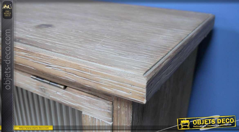 Meuble en bois de sapin finition blanc discret, de style rustique, ouvertures des trois portes ascendantes, collection Rustichic, 103cm