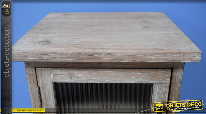 Table de chevet en bois de sapin d'aspect massif, de style rustique, veinage apparent et porte vitrée ondulée, collection Rustichic, 61cm