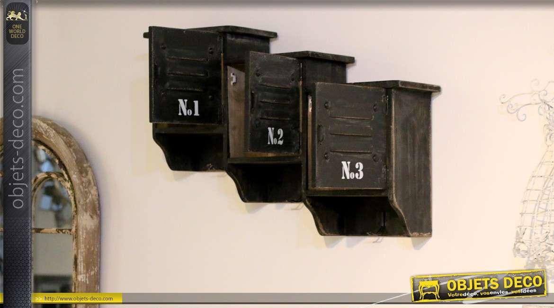 rangement mural avec trois casiers et porte manteaux. Black Bedroom Furniture Sets. Home Design Ideas