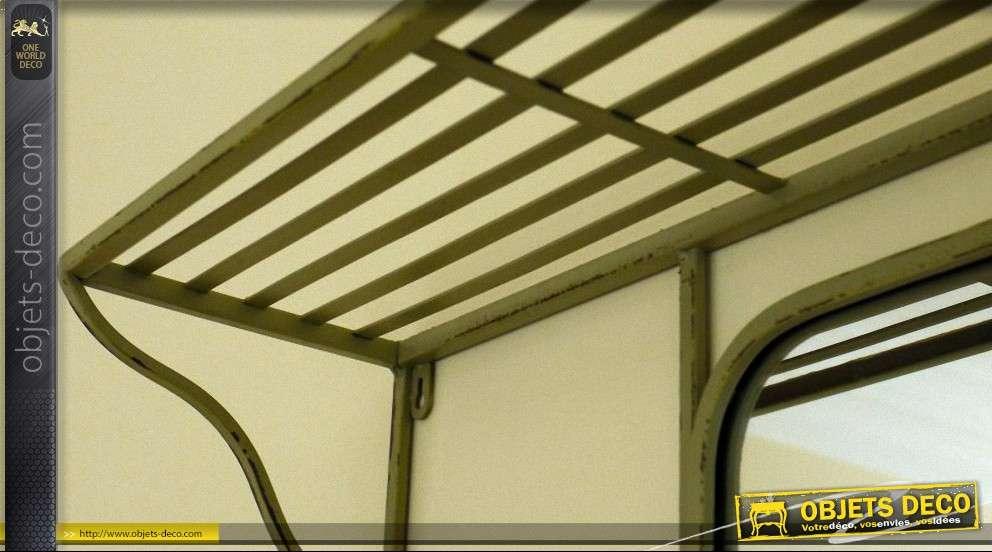 miroir de vestiaire indus et vintage en fer forg avec tag re. Black Bedroom Furniture Sets. Home Design Ideas