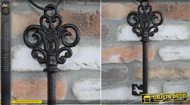 Grosse clé décorative en fonte de 43cm de long, finition brun foncé, ambiance vieux château fort et princesse
