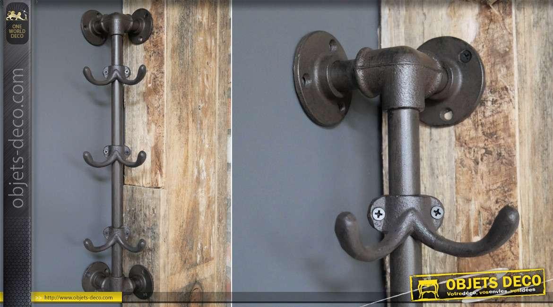 Porte-manteaux d'angle de style industriel atelier, en métal et fonte finition vieil acier, ambiance vestiaire d'usine, 54cm